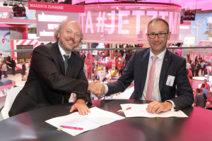 IFA 2017 Renewing of the Partnership between Deutsche Telekom and Deutsche Telekom Chair of Communication Networks
