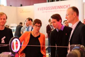 Minister President of Saarland Annegret Kramp-Karrenbauer visiting ComNets Demo