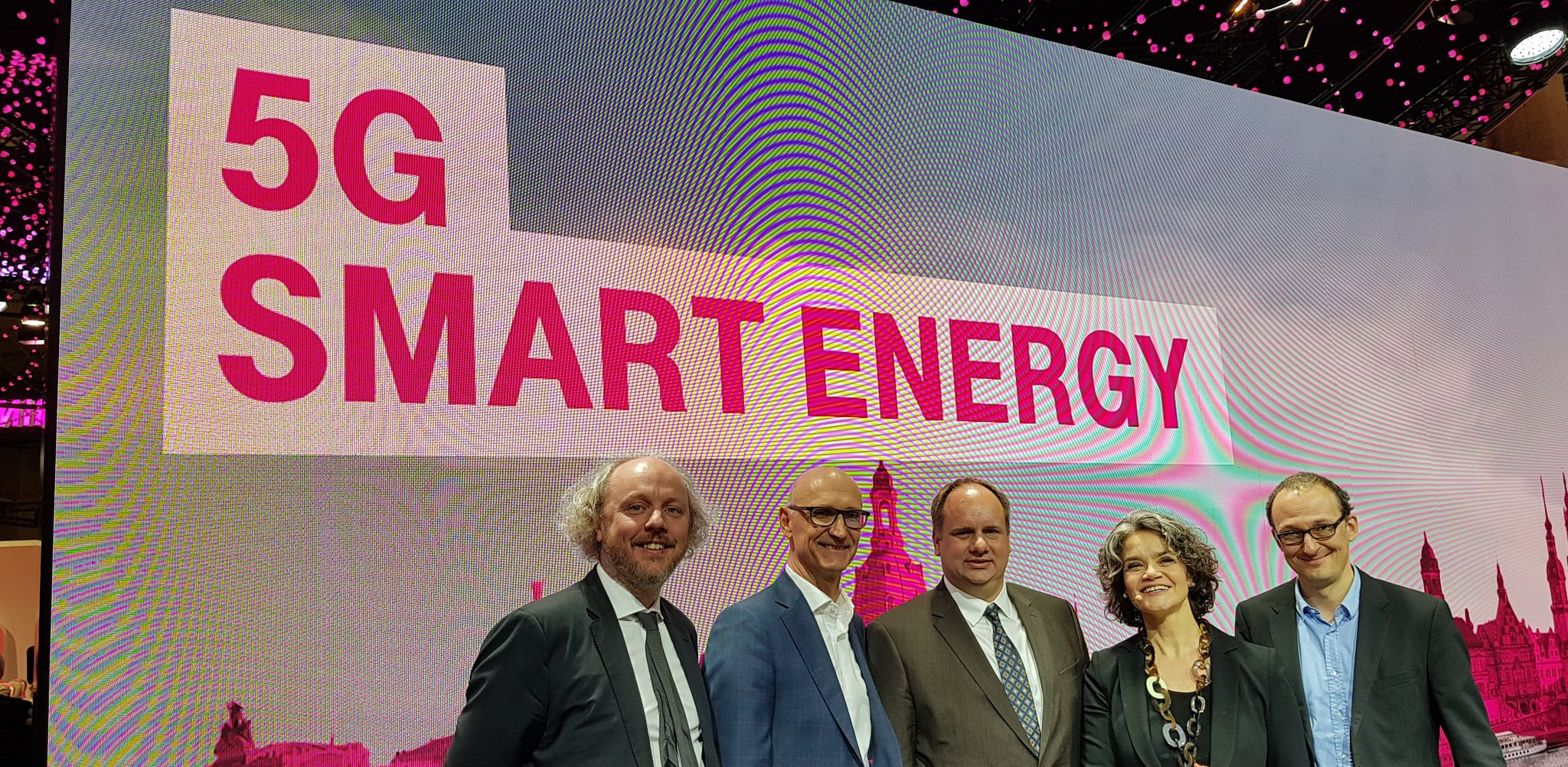 5G Smart Energy Cooperation
